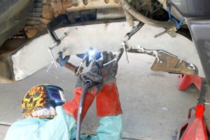 014-wfo-chevy-2500-d60-solid-axle-swap-frame-plates.jpg