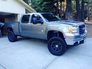 Trevors-Truck_in-Tahoe.jpg