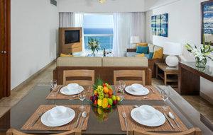 vidanta-acapulco-accommodations-mayanpalace-twobedroomsuite.jpg